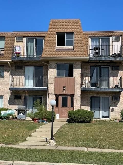 212 Shorewood Drive 1D, Glendale Heights, IL 60139 (MLS #11229988) :: Angela Walker Homes Real Estate Group