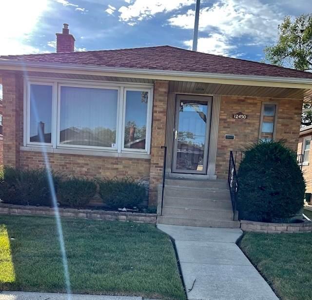 12450 S Justine Street, Calumet Park, IL 60827 (MLS #11230245) :: The Wexler Group at Keller Williams Preferred Realty