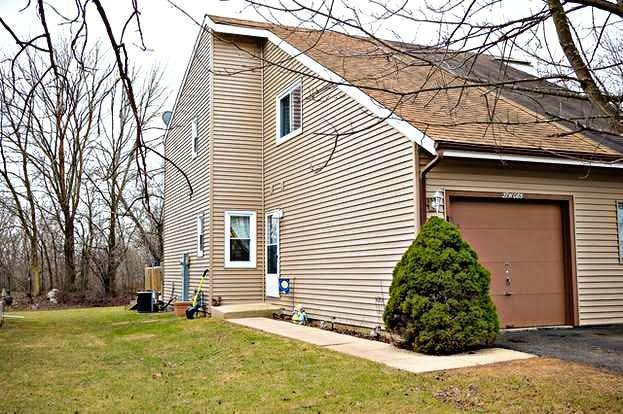 27W085 Cooley Avenue, Winfield, IL 60190 (MLS #11233445) :: John Lyons Real Estate