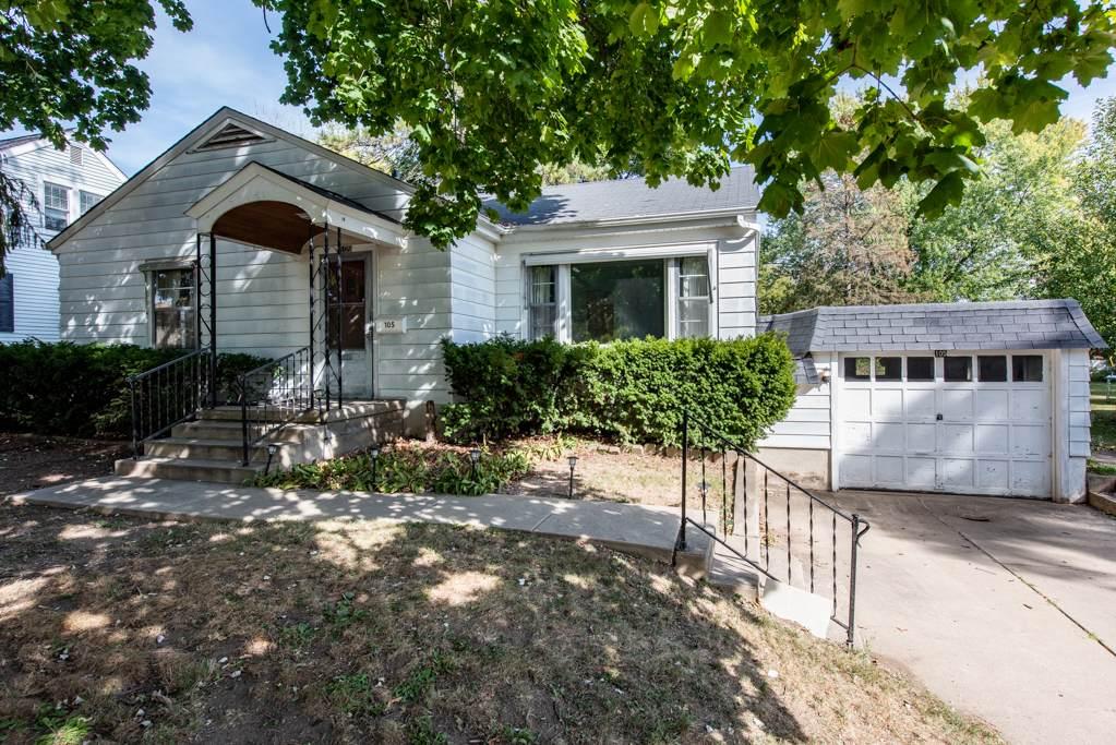 105 Lincoln Avenue - Photo 1