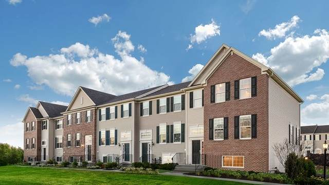 418 Shadow Court, Oswego, IL 60543 (MLS #11240906) :: John Lyons Real Estate