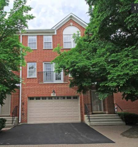 905 Enfield Drive 15-G1, Northbrook, IL 60062 (MLS #11244715) :: Littlefield Group