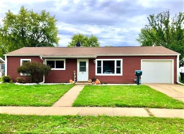 1502 E 19th Street, Sterling, IL 61081 (MLS #11247350) :: John Lyons Real Estate