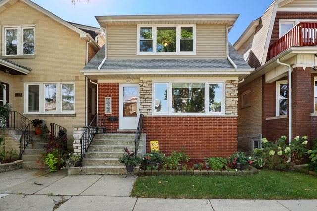 5837 W Berenice Avenue, Chicago, IL 60634 (MLS #11249266) :: John Lyons Real Estate