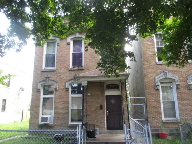 2909 W Walnut Street, Chicago, IL 60612 (MLS #11249832) :: John Lyons Real Estate