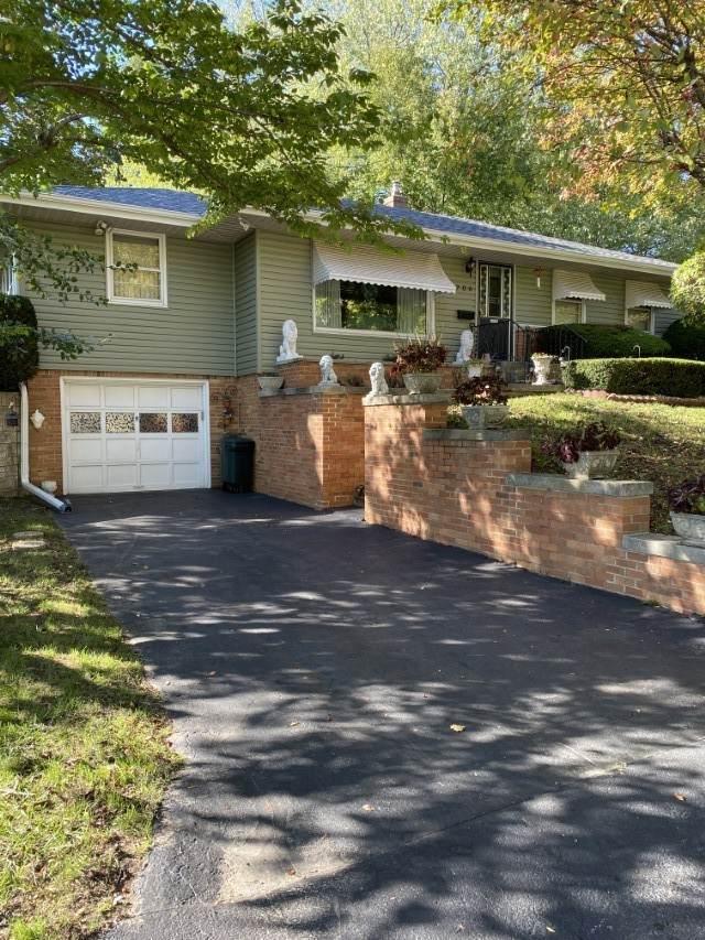 706 Bohm Court, Rockford, IL 61107 (MLS #11249908) :: John Lyons Real Estate