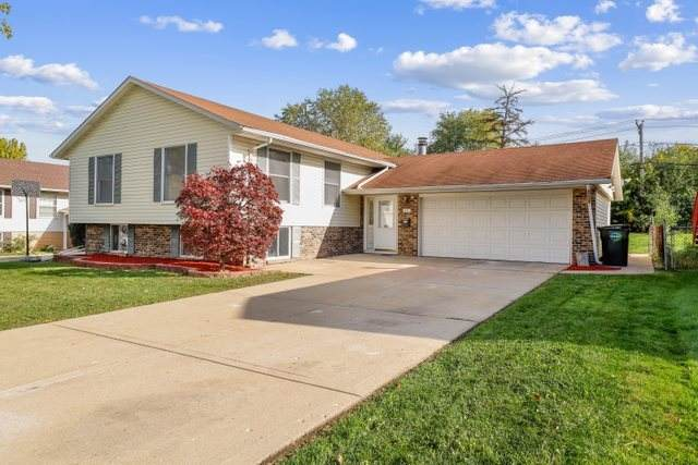 1305 Nippert Drive, Streamwood, IL 60107 (MLS #11250235) :: The Wexler Group at Keller Williams Preferred Realty