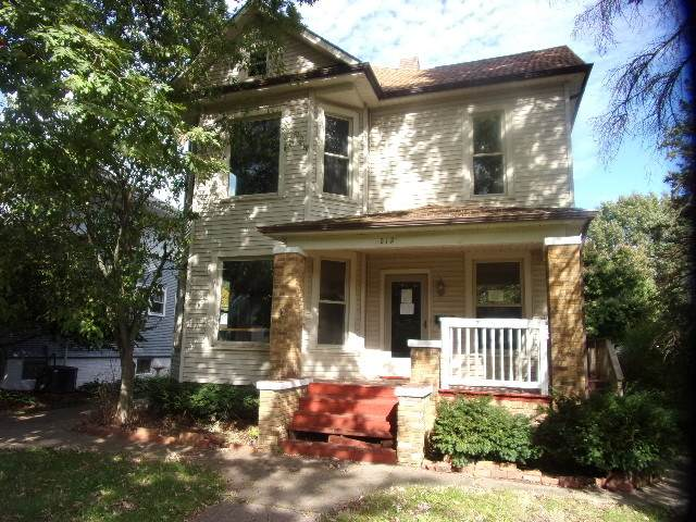 212 W Washington Street, Streator, IL 61364 (MLS #11251272) :: John Lyons Real Estate