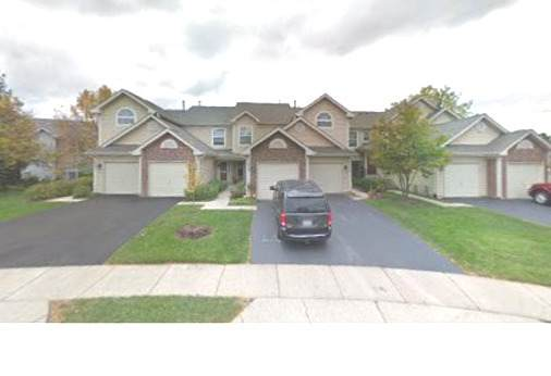 1057 Woodhill Court #1057, Elgin, IL 60120 (MLS #11253402) :: John Lyons Real Estate
