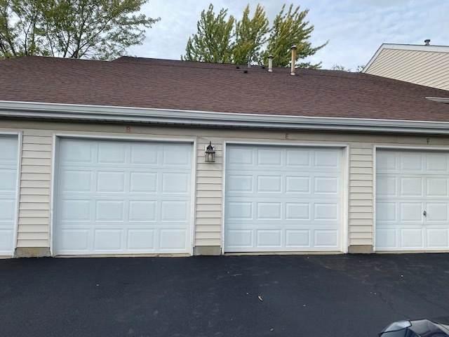 556 E Shag Bark Lane, Streamwood, IL 60107 (MLS #11253740) :: Helen Oliveri Real Estate
