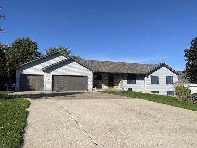 15787 Golf Hills Drive, Sterling, IL 61081 (MLS #11256948) :: The Wexler Group at Keller Williams Preferred Realty