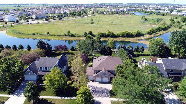 39 Robert Road, Oswego, IL 60543 (MLS #09696872) :: The Dena Furlow Team - Keller Williams Realty