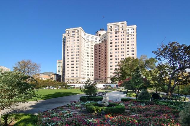 5555 N Sheridan Road #127, Chicago, IL 60640 (MLS #09713549) :: Leigh Marcus | @properties