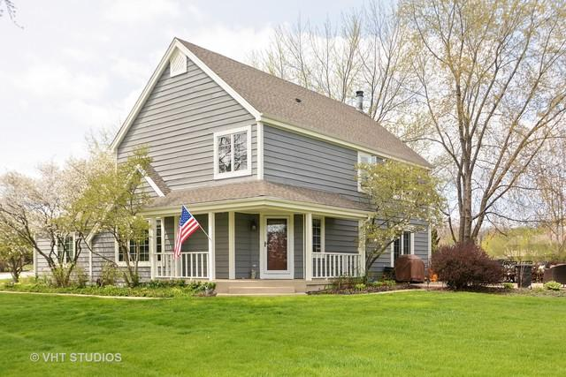 20 Thornfield Lane, Hawthorn Woods, IL 60047 (MLS #09720563) :: The Schwabe Group