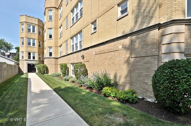 3222 W Beach Avenue 1C, Chicago, IL 60651 (MLS #09724658) :: The Perotti Group