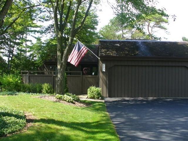 174 Pinecrest Circle K140, Lake Barrington, IL 60010 (MLS #09725880) :: The Jacobs Group