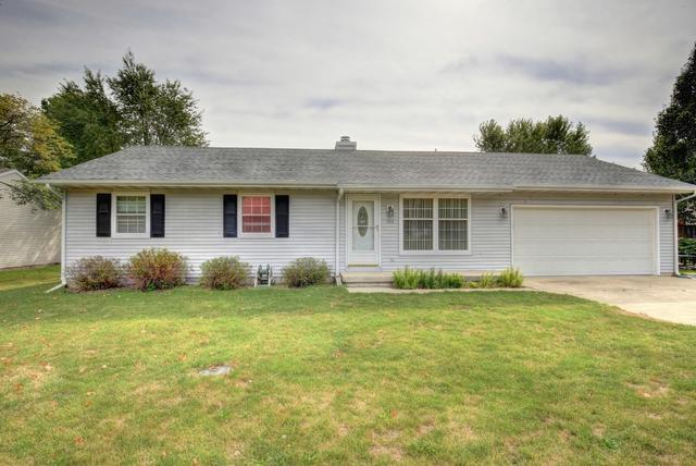 402 Crestwood Drive, ST. JOSEPH, IL 61873 (MLS #09729386) :: Littlefield Group