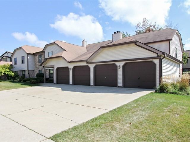 737 Hapsfield Lane 1A2, Buffalo Grove, IL 60089 (MLS #09757788) :: Helen Oliveri Real Estate