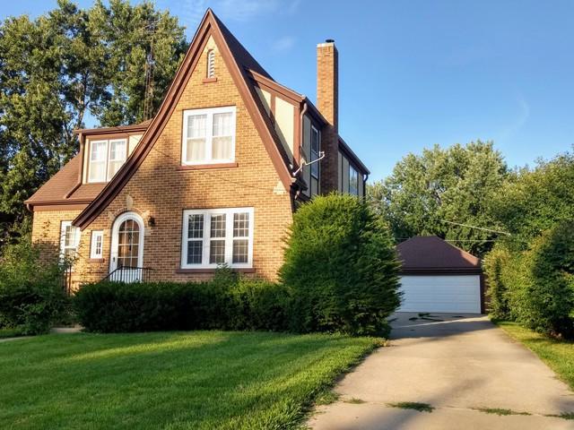 802 Richardson Avenue, Ashton, IL 61006 (MLS #09762436) :: The Dena Furlow Team - Keller Williams Realty