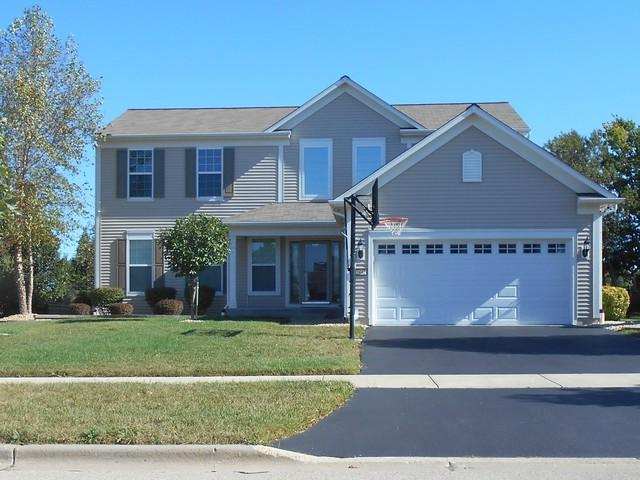 2442 Emerald Lane, Yorkville, IL 60560 (MLS #09777630) :: Angie Faron with RE/MAX Ultimate Professionals