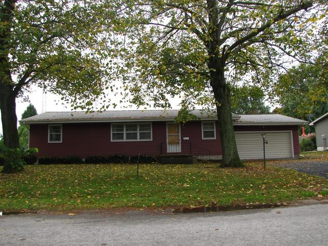 408 Southland Drive S, Tuscola, IL 61953 (MLS #09783948) :: Littlefield Group
