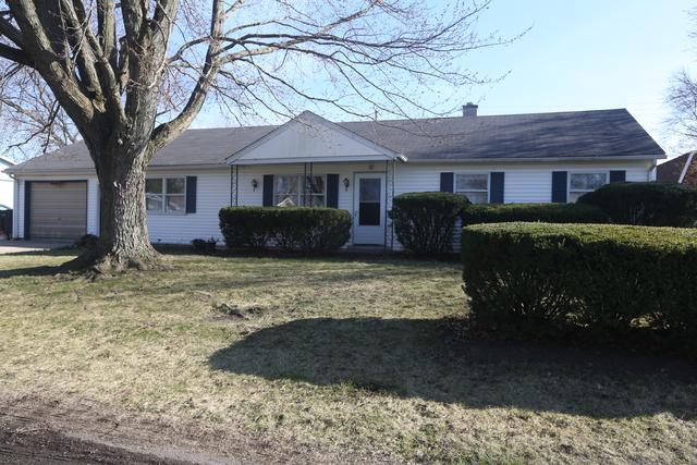 4 Hillcrest Drive, Tuscola, IL 61953 (MLS #09795468) :: Littlefield Group