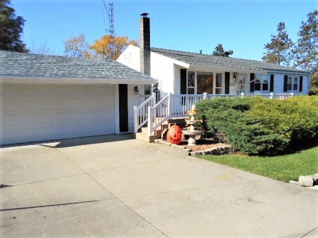 211 N Theodore Road, Mcnabb, IL 61335 (MLS #09796436) :: Ani Real Estate