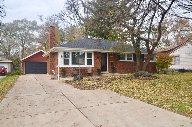 1219 N Eagle Street, Naperville, IL 60563 (MLS #09797540) :: The Dena Furlow Team - Keller Williams Realty