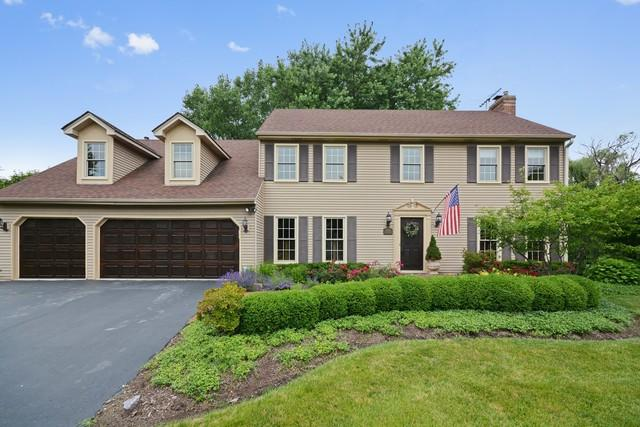 2060 Richton Drive, Wheaton, IL 60189 (MLS #09804296) :: The Jacobs Group