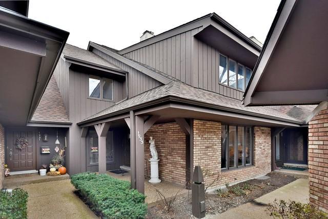 1933 Mission Hills Lane, Northbrook, IL 60062 (MLS #09804476) :: Helen Oliveri Real Estate