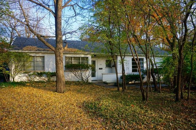633 Echo Lane, Glenview, IL 60025 (MLS #09804550) :: Helen Oliveri Real Estate