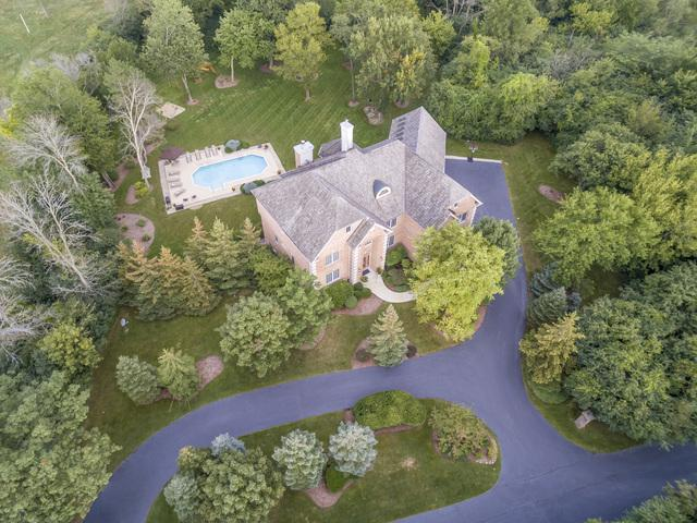 60 Dundee Road, Barrington Hills, IL 60010 (MLS #09826782) :: The Jacobs Group