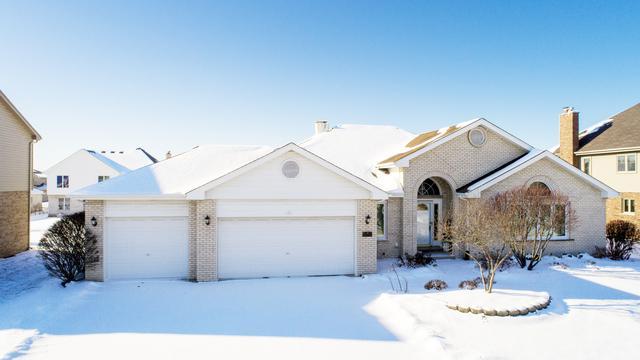 8020 Chesterton Drive, Woodridge, IL 60517 (MLS #09828678) :: Lewke Partners