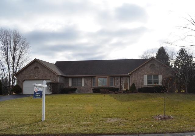 3305 Woods Creek Lane, Algonquin, IL 60102 (MLS #09833327) :: Lewke Partners