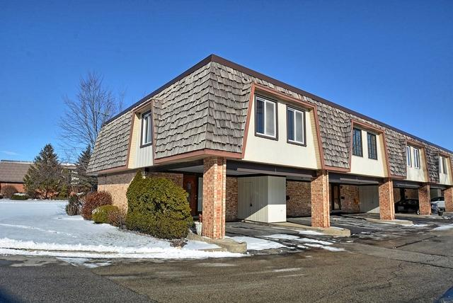 1 Cour Caravelle, Palos Hills, IL 60465 (MLS #09835659) :: The Wexler Group at Keller Williams Preferred Realty