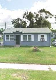 3915 W 19th Avenue, Gary, IN 46404 (MLS #09836774) :: Littlefield Group