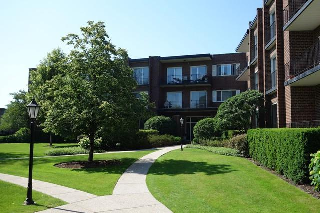 1290 N Western Avenue #211, Lake Forest, IL 60045 (MLS #09847786) :: Domain Realty