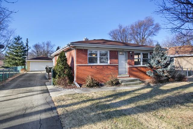 209 Kazwell Street, Willow Springs, IL 60480 (MLS #09849321) :: The Wexler Group at Keller Williams Preferred Realty