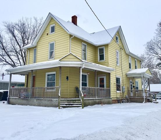 1209 E 3rd Street, Sterling, IL 61081 (MLS #09850630) :: Lewke Partners
