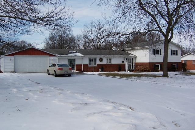674 S Fall Street S, Paxton, IL 60957 (MLS #09856548) :: The Dena Furlow Team - Keller Williams Realty