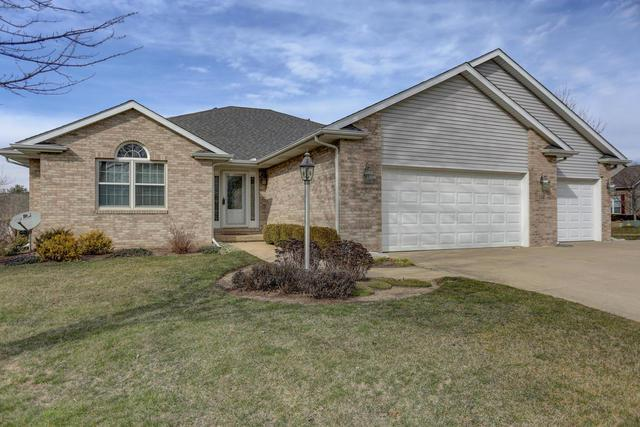 708 Dove Drive, Mahomet, IL 61853 (MLS #09859077) :: The Jacobs Group
