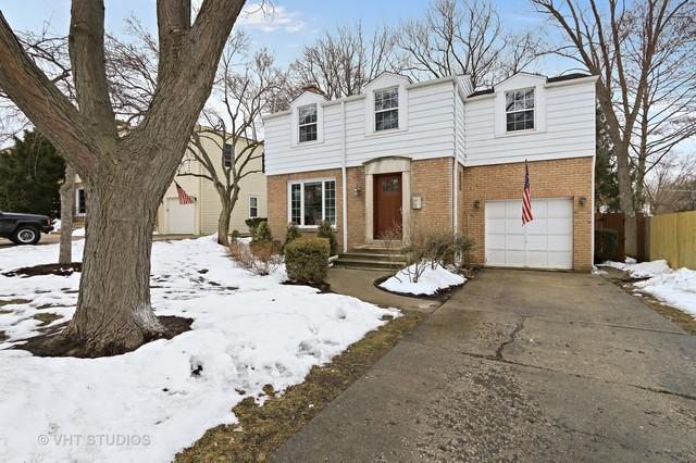 616 Ardmore Terrace, Libertyville, IL 60048 (MLS #09859577) :: Helen Oliveri Real Estate