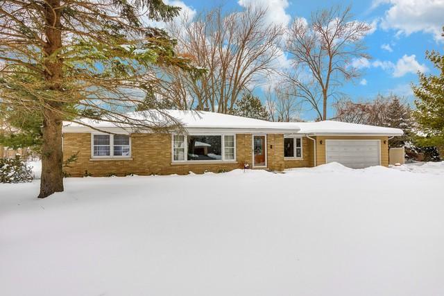 234 Elm Court, Northbrook, IL 60062 (MLS #09859624) :: Helen Oliveri Real Estate