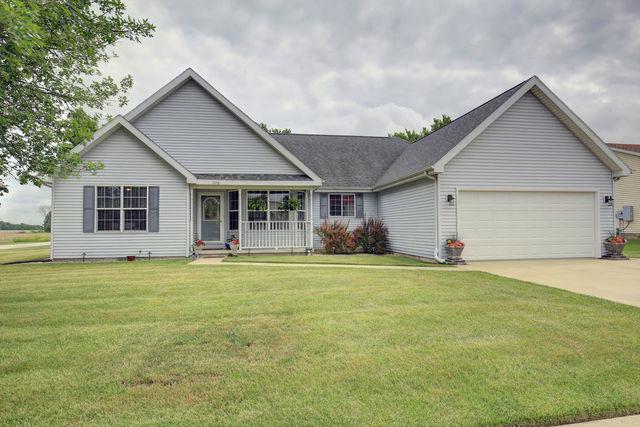1126 Park Terrace, Paxton, IL 60957 (MLS #09862816) :: Lewke Partners