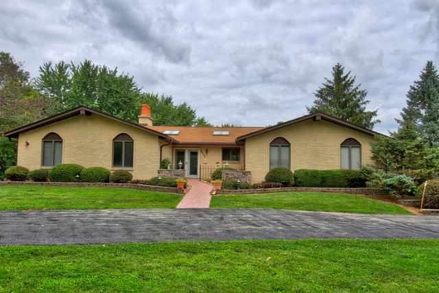 4505 W Squires Green Drive, Richmond, IL 60071 (MLS #09864453) :: The Jacobs Group