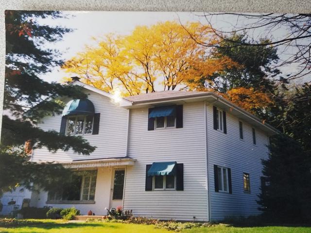 12 Gilbert Avenue, Clarendon Hills, IL 60514 (MLS #09865477) :: The Dena Furlow Team - Keller Williams Realty