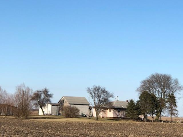 1210 E 1600 North Road, Roberts, IL 60962 (MLS #09868212) :: Littlefield Group