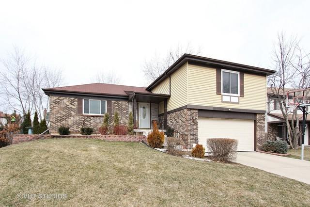 114 Lilac Lane, Buffalo Grove, IL 60089 (MLS #09880534) :: The Schwabe Group