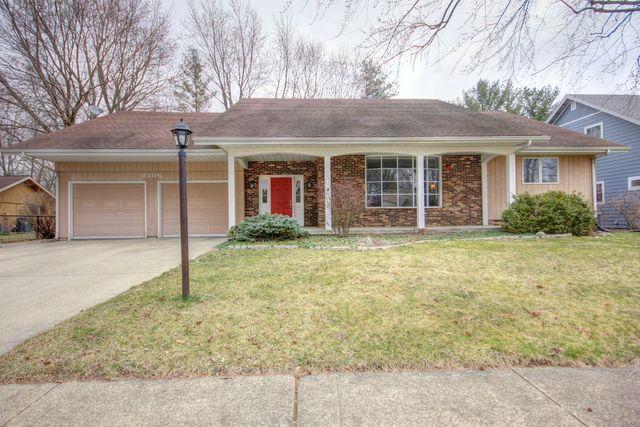 2306 Grange Drive, Urbana, IL 61801 (MLS #09881752) :: Ryan Dallas Real Estate