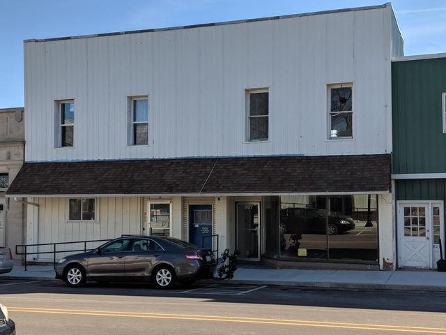 807-809 Main Street, Ashton, IL 61006 (MLS #09881954) :: The Dena Furlow Team - Keller Williams Realty